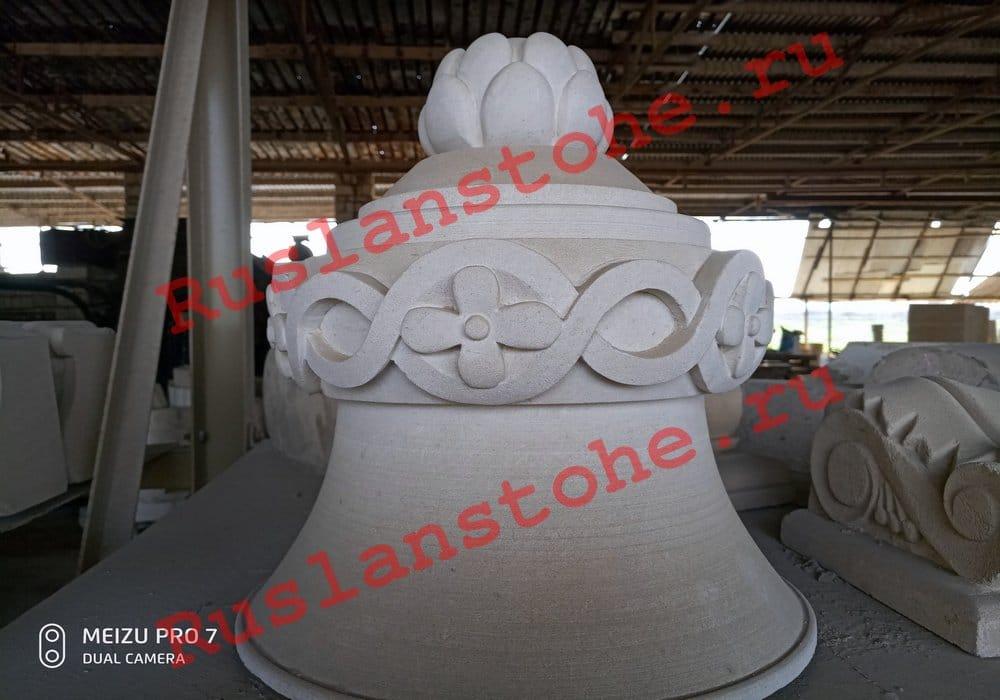 watermarked P80412 141316 - Тумбы и декор