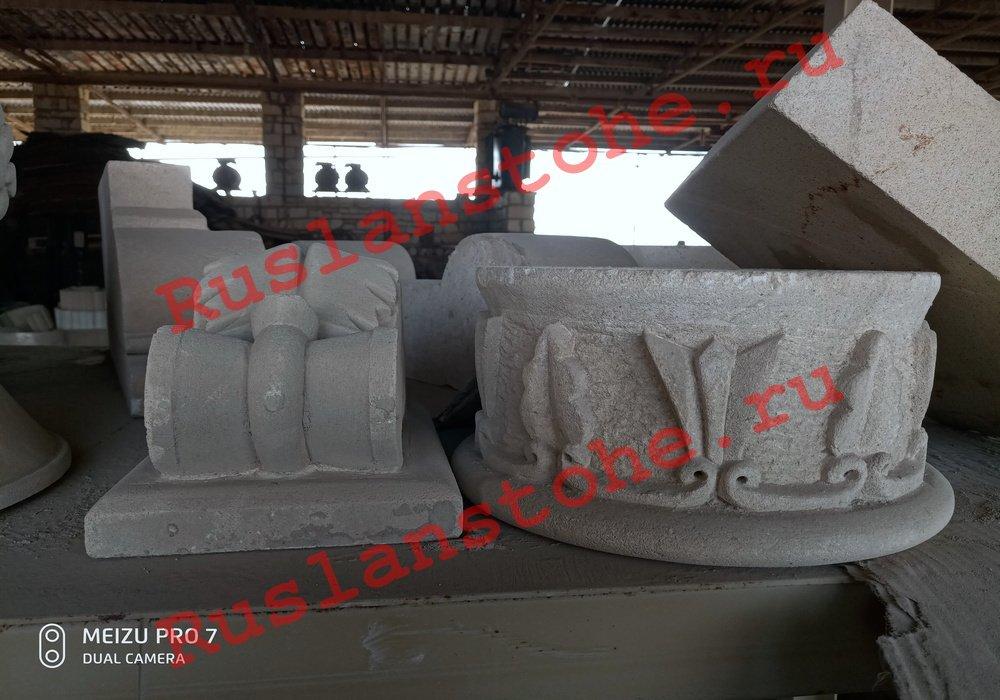 watermarked P80412 141320 - Тумбы и декор